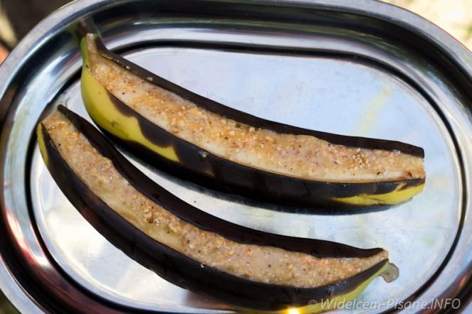 Grillowane banany z miodem i orzechami